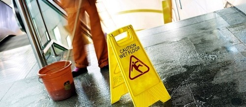 "Absence Of ""Wet Floor"" Signs Can Help Florida Slip & Fall Case"